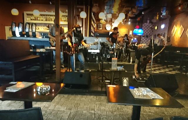 Enjoy some good old music at Boogie Bar